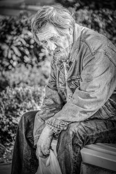 Lonely by Billdad