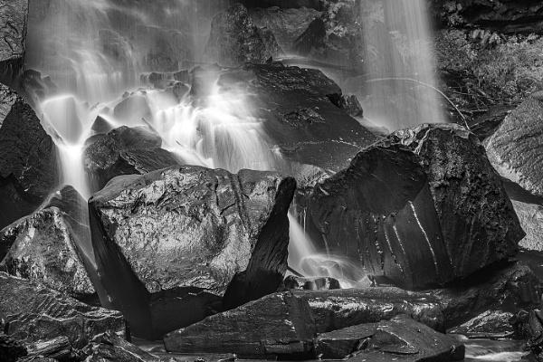Water Falls by nigell