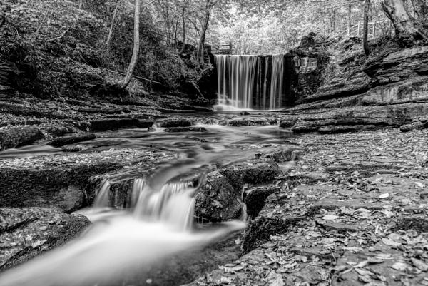 Plas Power Waterfall by roge21