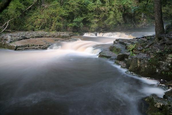 sgwd yr era waterfall. by colin beeley