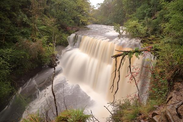 Sgwd clun-Gwyn waterfall by colin beeley