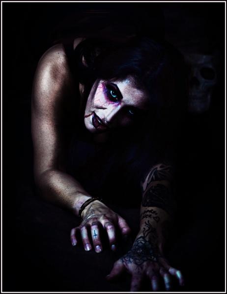Night Crawler by Rossi208
