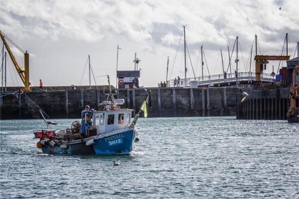 Fishing Boat by blrphotos