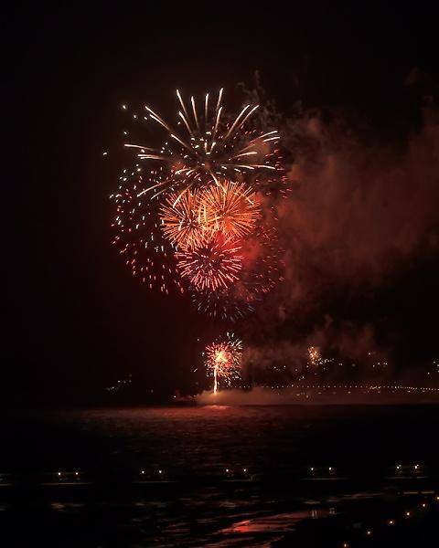 fireworks-over-bournemouth-pier-3-8-2012.jpg