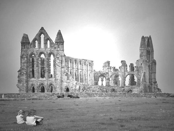 whitby-abbey-b-w.jpg
