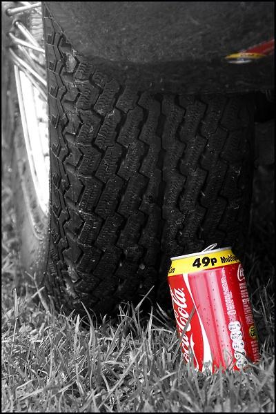 e-type-and-coke-can-2.jpg