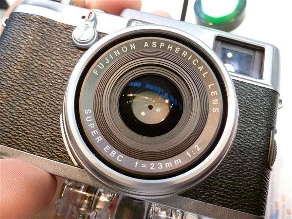 fujifilm-finepix-x100--11---small-.jpg