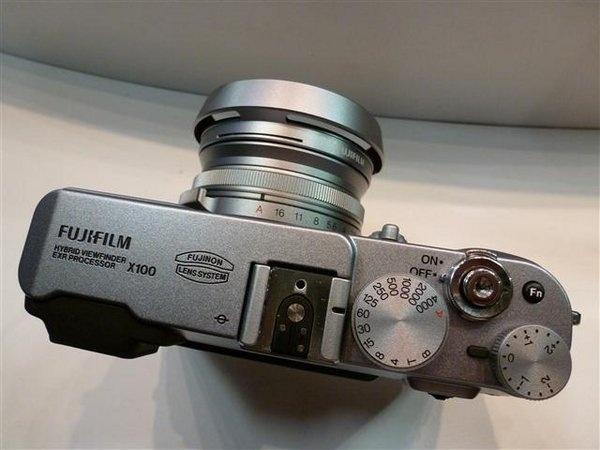 fujifilm-finepix-x100--18---small-.jpg