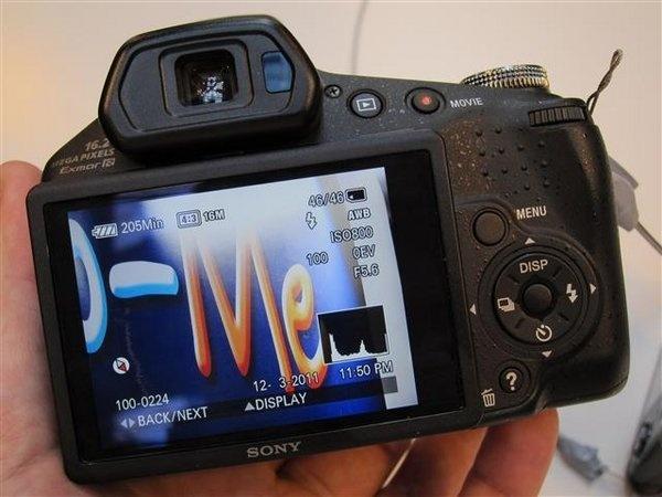 sony-hx-100v--1---small-.jpg