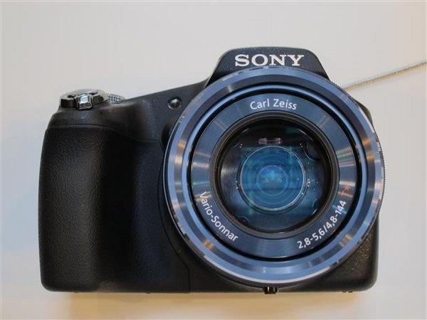 sony-hx-100v--4---small-.jpg