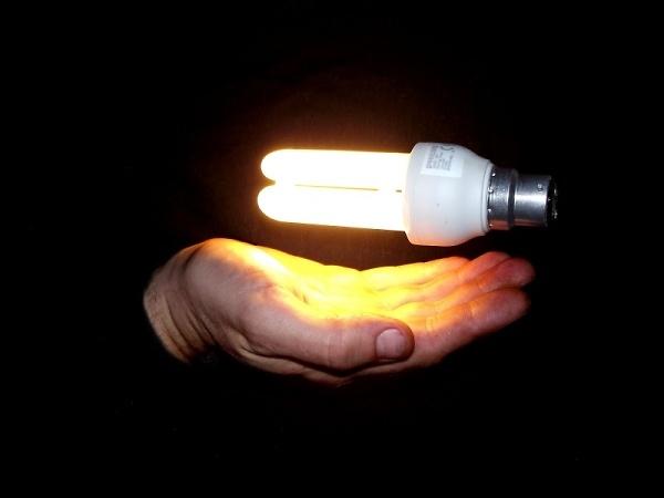 3-ulitmate-low-energy-bulb--.jpg