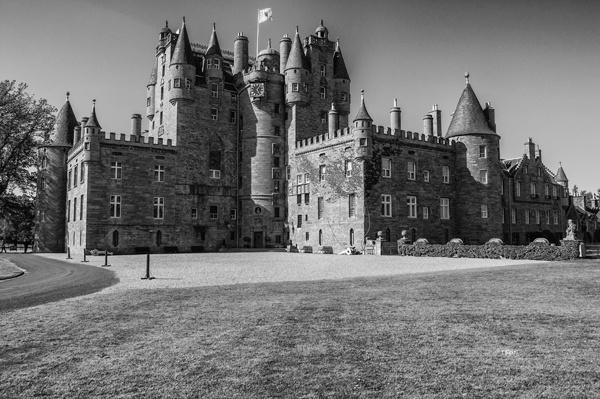 glamis-castle--scotland082.jpg