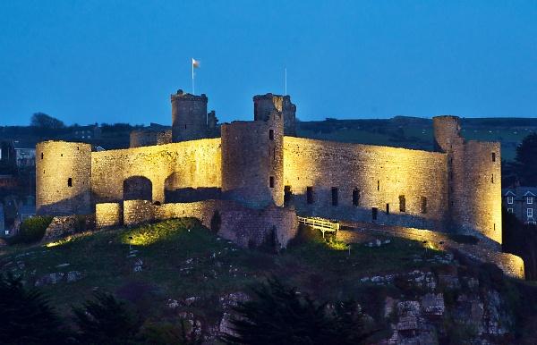 2-harlech-castle.jpg
