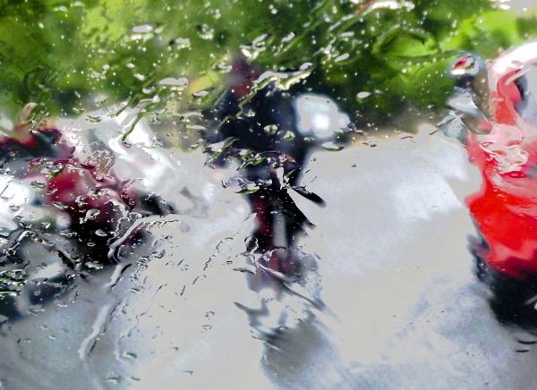 www-cycling-in-the-rain.jpg
