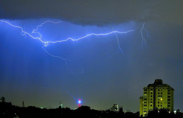 1-lightning.jpg
