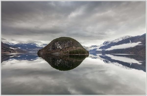 fjord-island.jpg