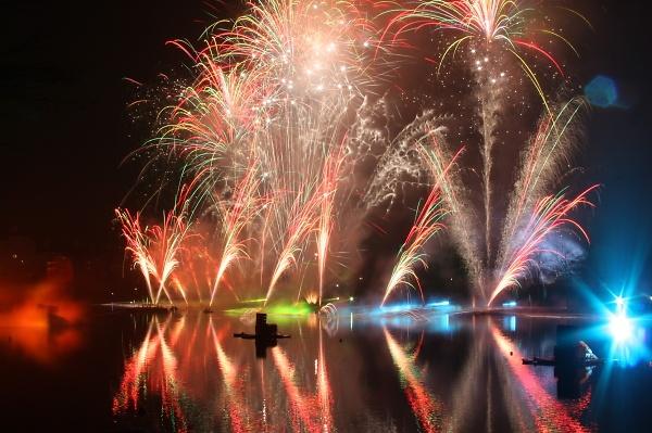 fireworks-at-lake-disney-229.jpg