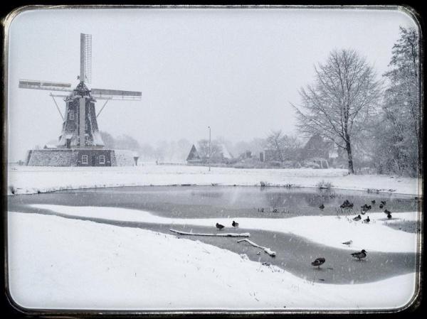 winterswijkse-molen-in-de-sneeuw-iphone-mediumsize.jpg