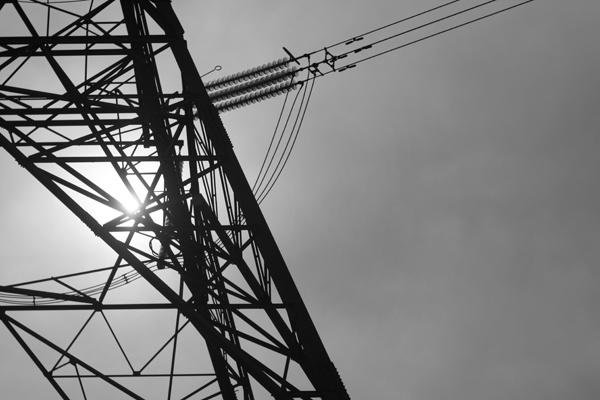 b-w-pylon-in-the-sun.jpg