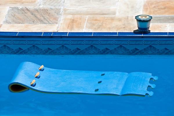 1-02532-pool-abstract.jpg