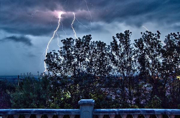 5109-lightning-pe.jpg