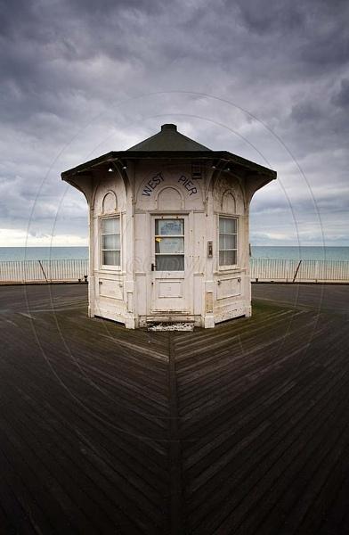 brighton-west-pier-hut-180408.jpg