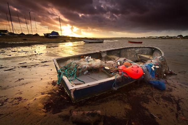mudeford-sunset-boat-windy-again-small.jpg